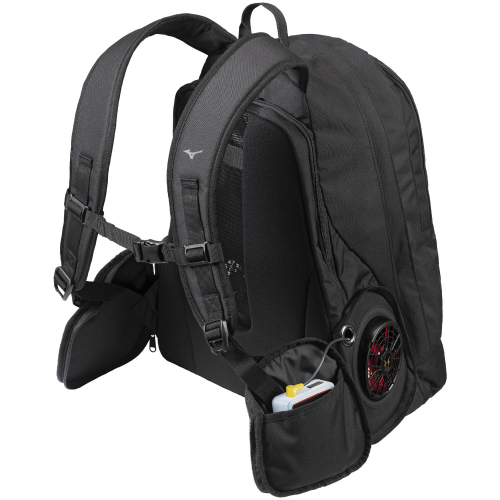 ファンを搭載できるバックパック「エアロバッグ」も登場