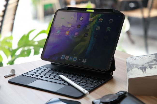【iPadPro2020対応】Smart Keyboardと併用可能なApple Pencilホルダー付きケース