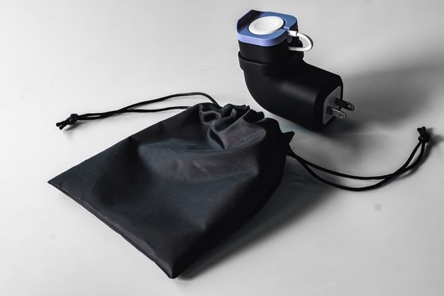 持ち運びも便利な充電器