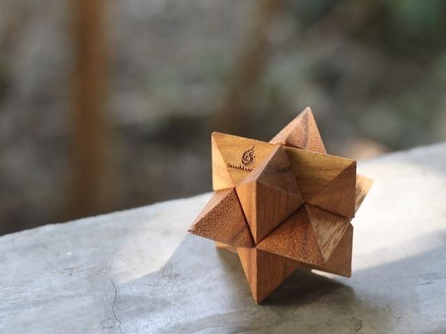 """<span class=""""title"""">最高難易度の立体パズル! 組み立てた達成感がやみつきになる「マジックパズル」</span>"""