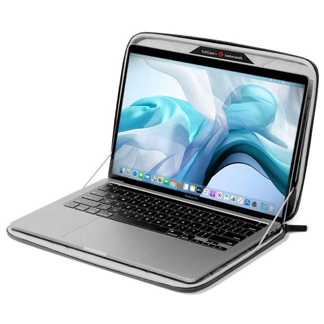 MacBookを入れたまま快適に操作