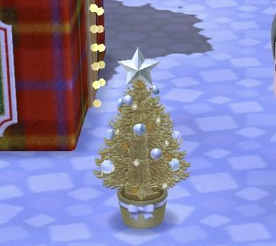 クリスマスの全員プレゼントは「金のオーナメントツリー」!